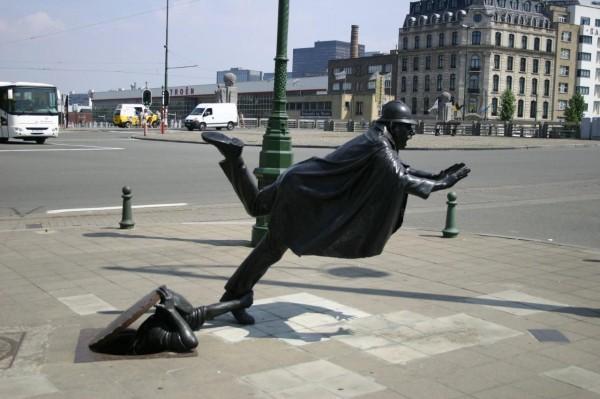 franzen surprise statue