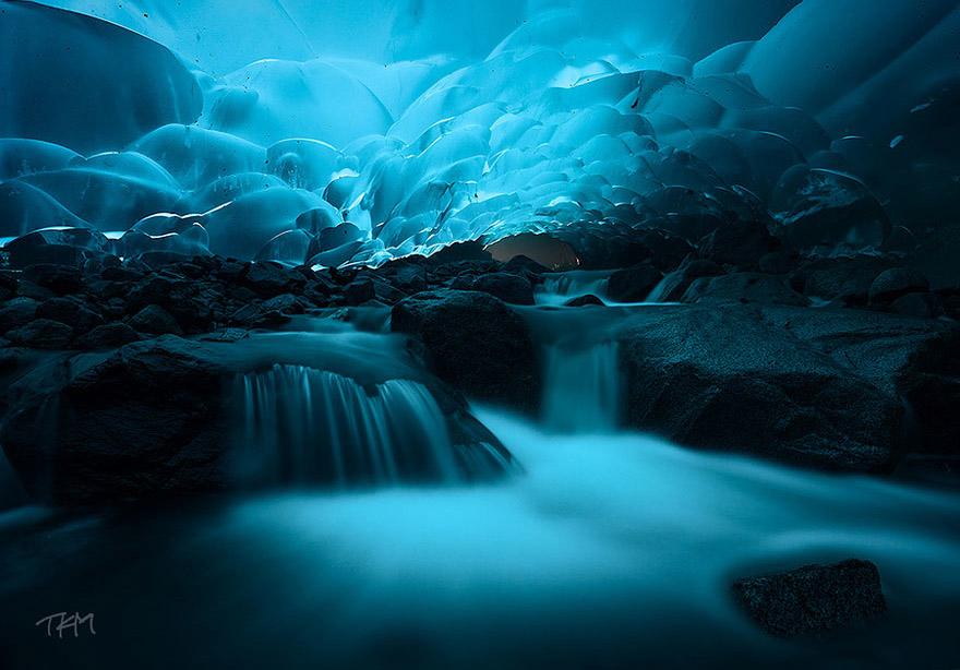 Mendenhall Ice Caves, Juneau, Alaska - Bild: Kent Mearig