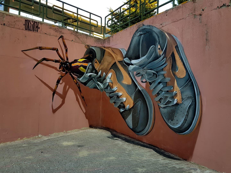 Odeith Streetart - Riesige anamorphe Insekten