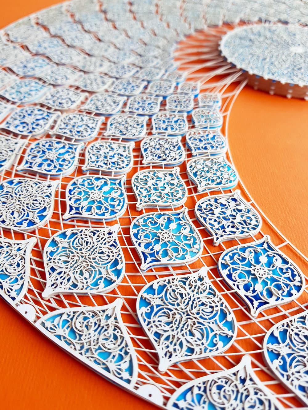 Julia Ibbini - Ornamente aus Papier
